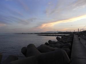 暮れる仙台新港