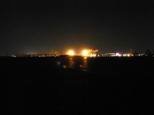 南防波堤の先端からの夜景