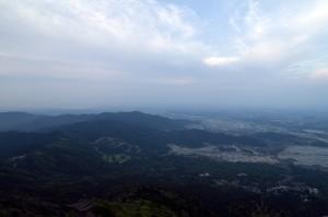 曇る筑波山山頂