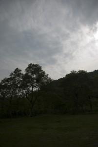桧原湖とは反対側の山