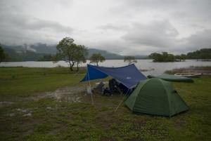 雨の桧原湖