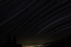 泉ヶ岳 夜景と星空 (歪み修正版)