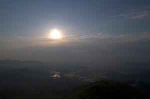 日食前の筑波山
