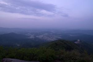 夕暮れの筑波山山頂